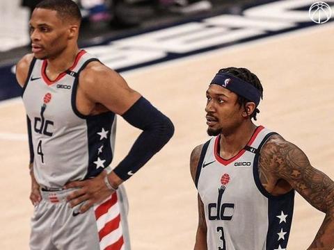 """拉塞尔-威斯布鲁克,NBA的""""另类""""控卫,场均三双神迹的缔造者!"""