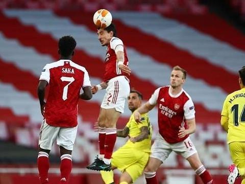 阿森纳总比分1-2出局,奥巴梅扬2次中柱!西甲第6与曼联会师决赛