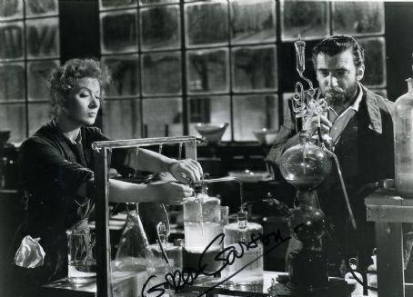 经历100多年,居里夫人的笔记本还有放射性,科学精神让人感叹