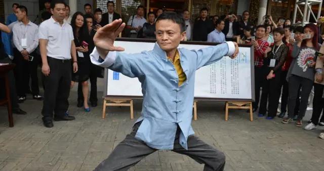 4次成为中国首富,被捧上神坛的马云,为什么只感谢这4个人?
