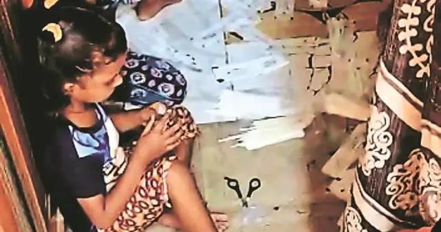 """印媒:印贫民窟儿童制作""""无菌""""新冠拭子棉签,一天可以赚1.76元"""