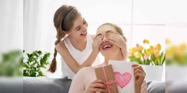 母亲节你和宝宝说的英文:做贺卡、感谢妈妈、制造惊喜