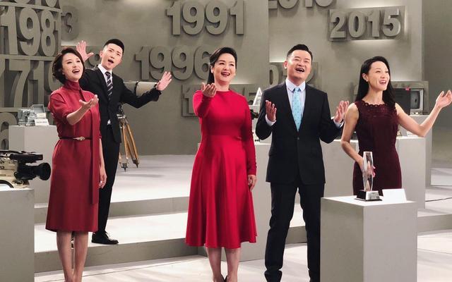 央视《越战越勇》主持人同台,张蕾杨帆默契,成观众心中意难平