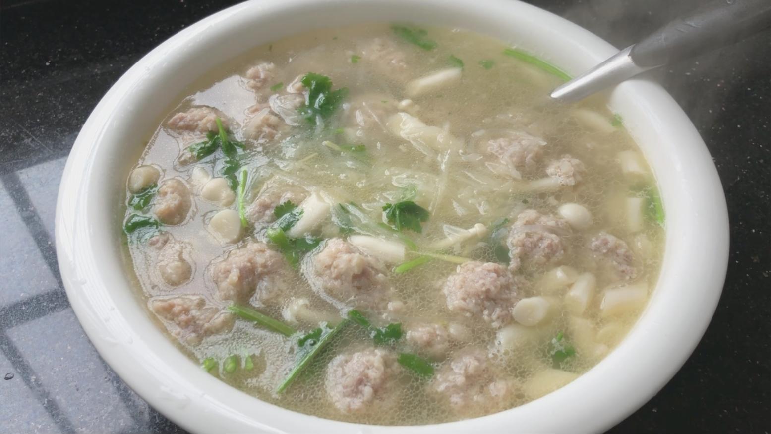 教你营养美味的萝卜丝丸子汤,简单好吃又能解馋,孩子们特喜欢
