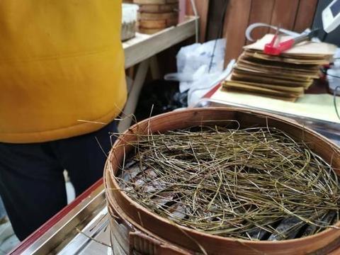 重庆人气包子店,1年卖出10000000个松针包子,本地人无人不知