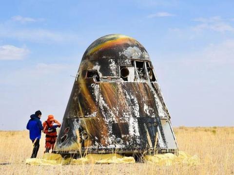 宇航员带枪上太空,用来干什么,是因为害怕外星人吗?