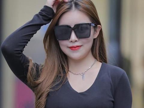 优雅黑色裙装,端庄大气永不过时,薄纱暗露小蛮腰