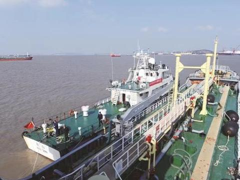 阳江多部门联合开展船舶污染防治攻坚战