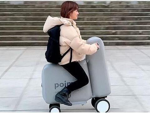 日本人发明充气电动车,可放包里,坐不坏扎不破,网友:玩具车?