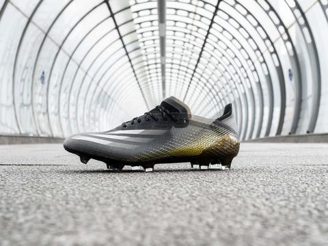 阿迪达斯发布新配色X GHOSTED.1足球鞋