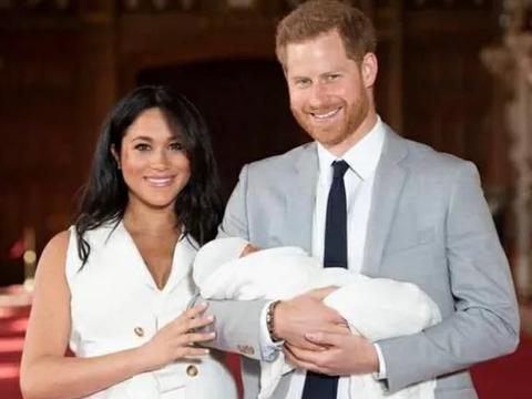 哈里和梅根真可笑,利用了王室头衔,又利用儿子呼吁人们慈善捐款