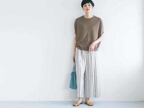 """日本太太的""""家居服""""晒照,一身""""极简风""""穿搭,又清爽,又气质"""