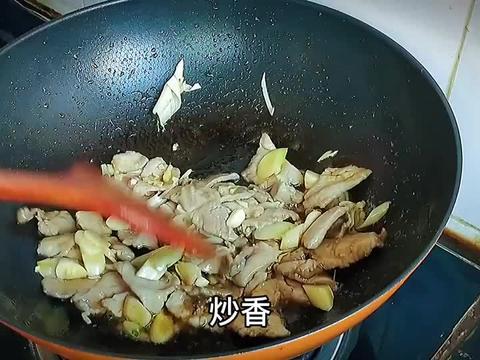 笋菜炒肉片,笋菜青翠,肉片滑嫩,好吃,又下饭