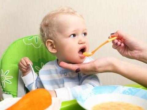 宝宝辅食代加工告诉您7月龄宝宝辅食添加食谱:蛋黄豆腐泥