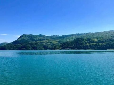 四川有个低调的湖泊,景色媲美泸沽湖景区,关键是不要门票
