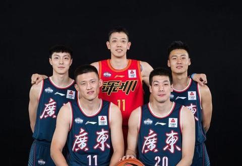 不去和杜锋一块参加全运会,周鹏为什么回到了家乡辽宁丹东呢?