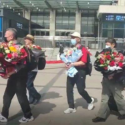 """""""最美中国行""""专列抵达首站安阳,400多名游客将携手畅游古都"""