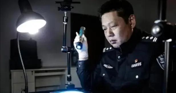 警察故事   法医马宗刚:从业26年 检验酒精含量1.5万余件