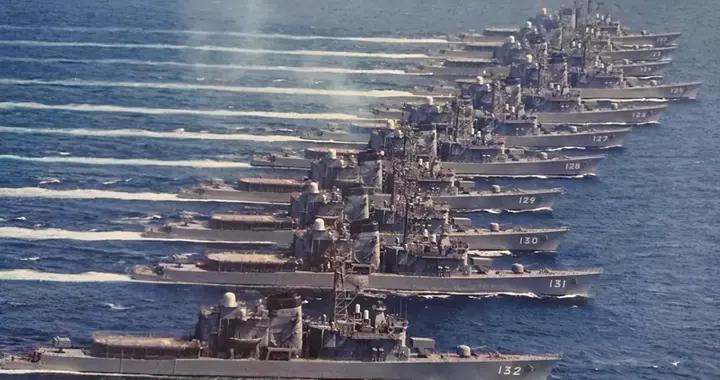 伊朗突发大火,俄新型潜艇服役,美航母撤离海峡,日向菲援助武器