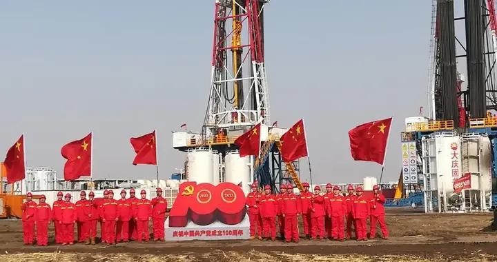 开足马力!大庆油田钻探钻井二公司力夺进尺80万米