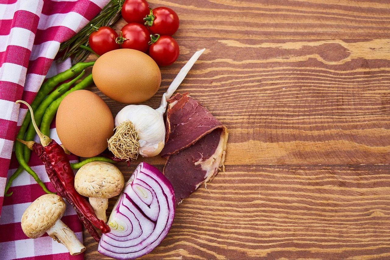 科学家发现,降低食物中异亮氨酸和缬氨酸含量能够改善代谢