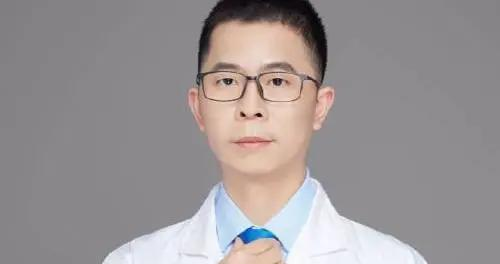 """网红医生林小清涉嫌""""性骚扰""""被停职调查,相似受害者已有74人"""
