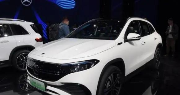 性能进一步丰富,奔驰EQA推四驱版车型,未来还或推出增程版