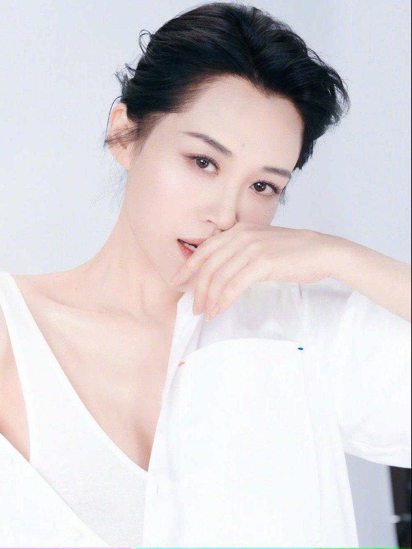 许晴不老女神白衬衣写真,优雅大方,恬静沉稳