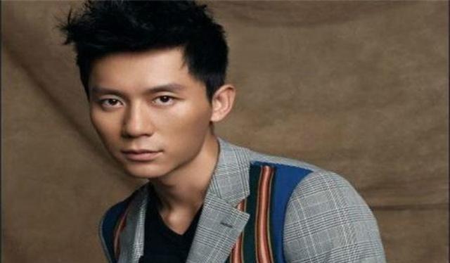 42岁李晨演高中生,演员不应该遵守年龄?网友评价不同
