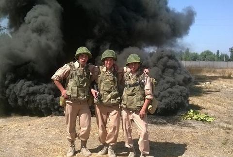 怪不得军队严厉管控手机,看完俄军士兵的神操作,终于知道多危险