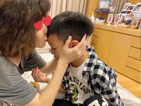 6岁儿写信示爱.徐若瑄感动泛泪:无价之宝