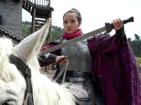看水浒传中关于顾大嫂和段三娘看描写,你认为谁才是更凶狠的母虎