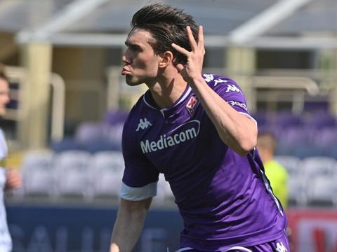 弗拉霍维奇单赛季意甲进20球,是巴蒂之后紫百合首位做到的外援