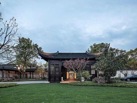 花了17个月,他将破败园林,改造成江南豪宅,里面的庭院太美了!