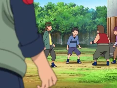 鼬用影分身逃课,跟着止水学校,分身在学校替他挨了揍