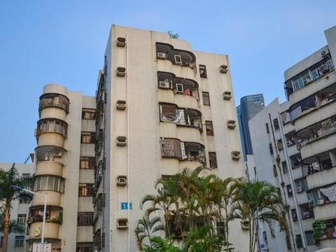 在深圳合同到期退房扣一半押金:卫生费、租房消毒费、家具使用费