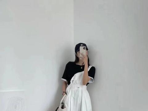 """春末夏初,解锁背带裤的""""挑选+搭配""""技巧,温柔减龄又很时髦"""