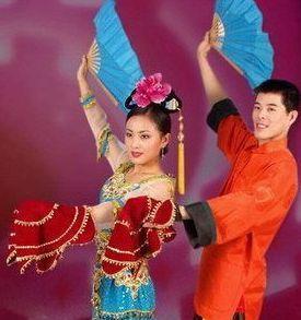 他是赵本山最穷的徒弟,年少父母双亡,如今娶到个小12岁的老婆!