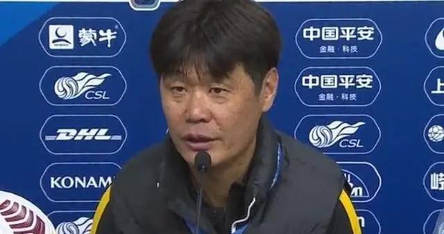武汉队主帅李霄鹏:球队的困难我也能列20多条,但是不能说只能自己克服