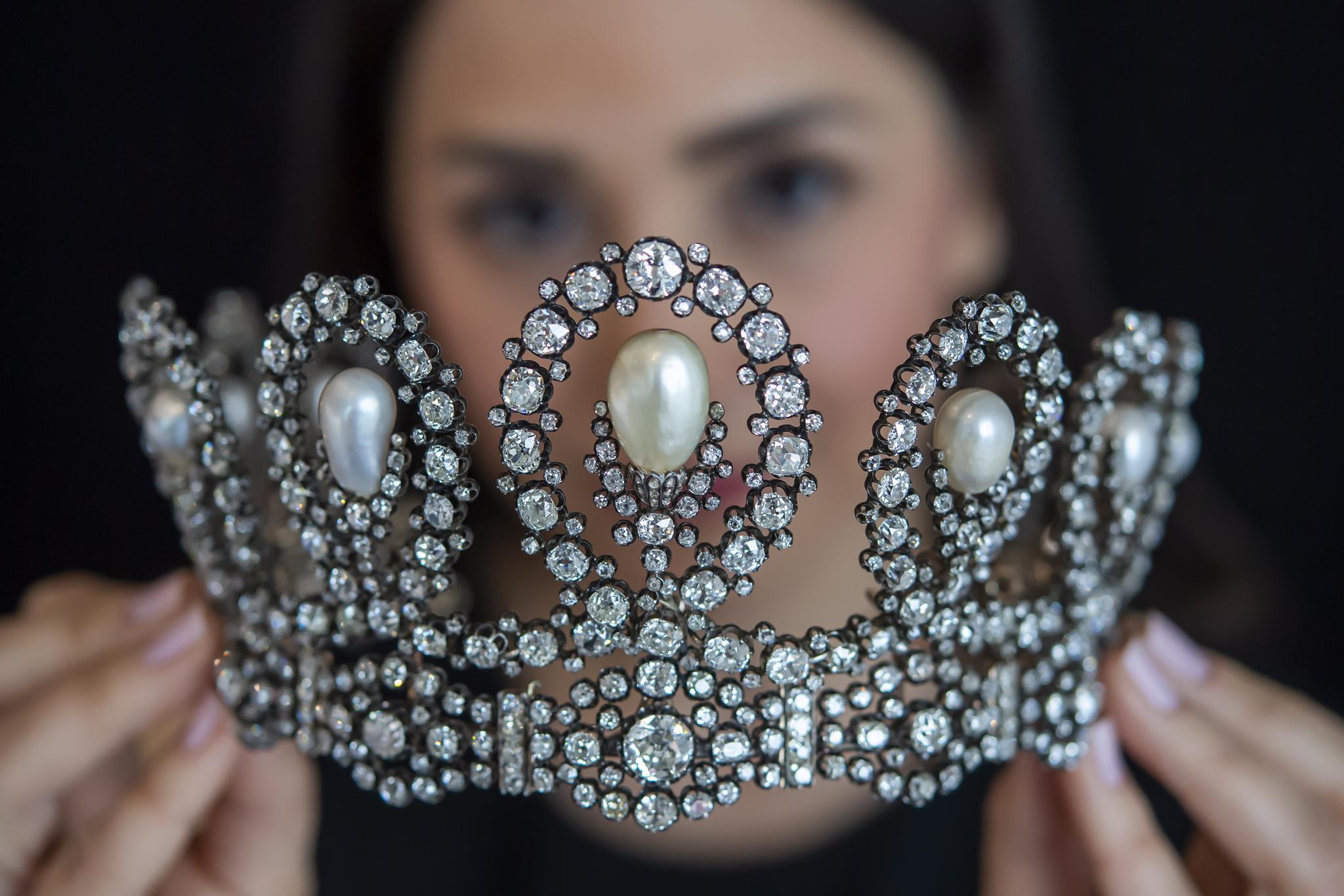 苏富比珠宝拍卖会预展