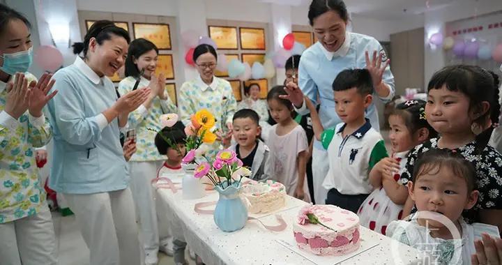 感恩母亲节 小朋友跟护士妈妈上了一场有爱的情商课