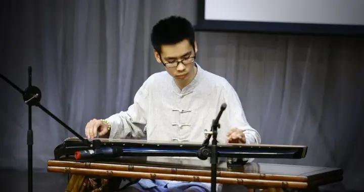 重庆青年古琴家王海波:我的妈妈是超人