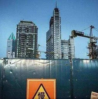 中海万科日赚亿元也有企业陷入危境 TOP50上市房企盈利分化之谜丨财报④