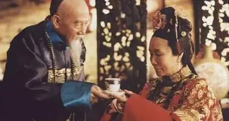 《走向共和》18年:孙淳无子,4位老戏骨离世,她80岁仍坚持演戏