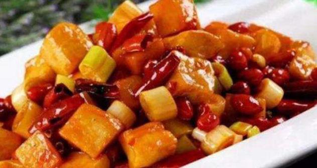 美食:青蒜炒豆干,手撕茄子,清炒荷兰豆,宫保豆腐的做法