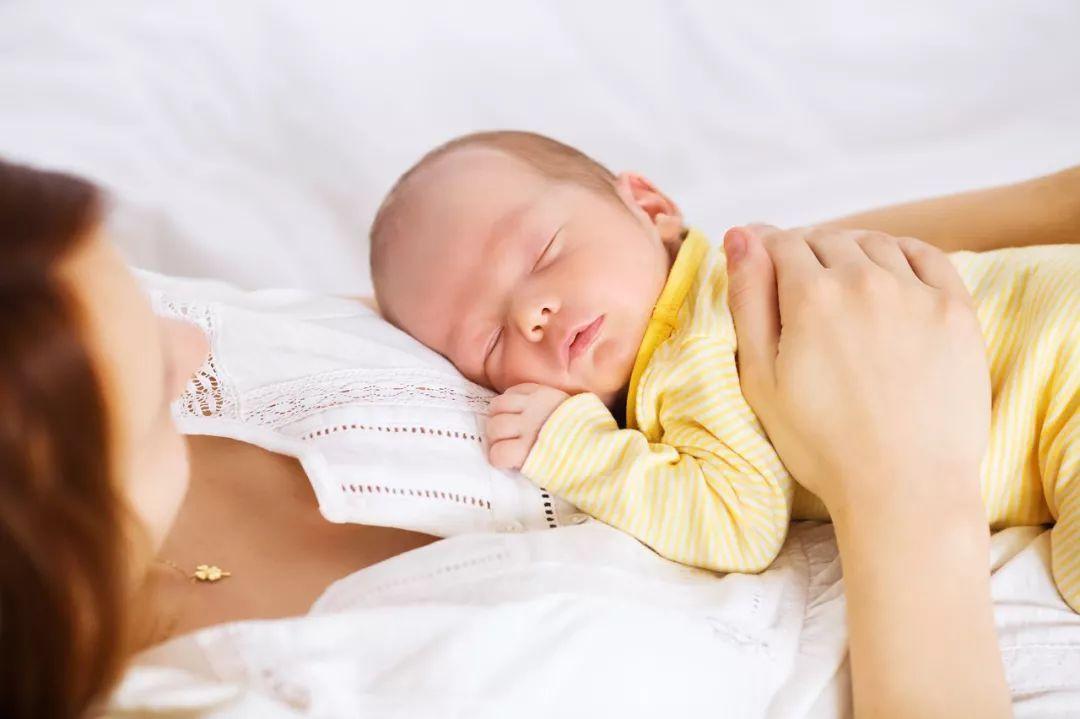 母乳过多,到底能不能让老公喝?听听医生是怎么说的