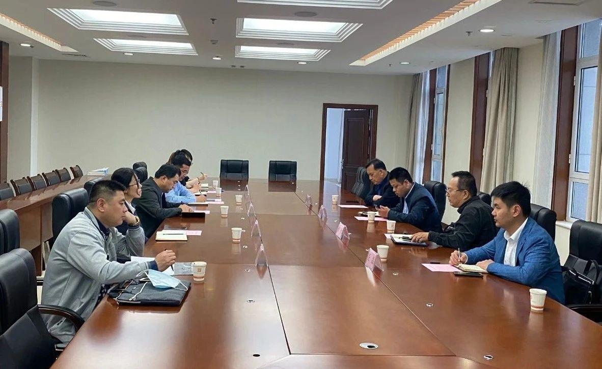 山东省高层次人才发展促进会到广饶县洽谈蜂巢免充气橡胶轮胎项目