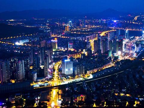 美媒:中国南下捞金潮推高住房需求?网友表示不同意
