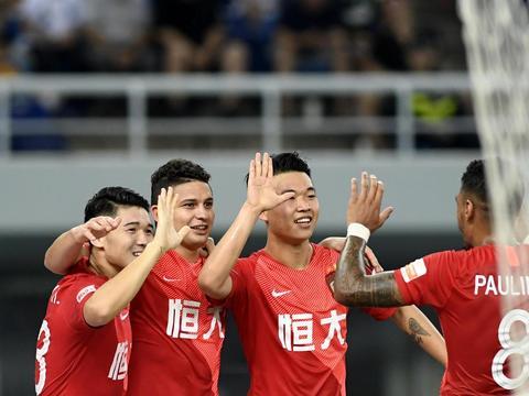 广州恒大队连收好消息,卡纳瓦罗成最大赢家