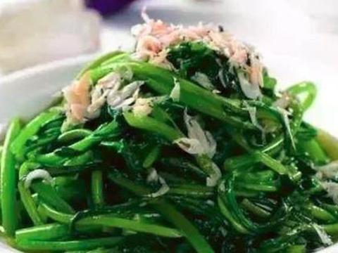 美食:竹笋肉丝,香菇小米粥,茄汁有机花菜,虾皮茼蒿的做法
